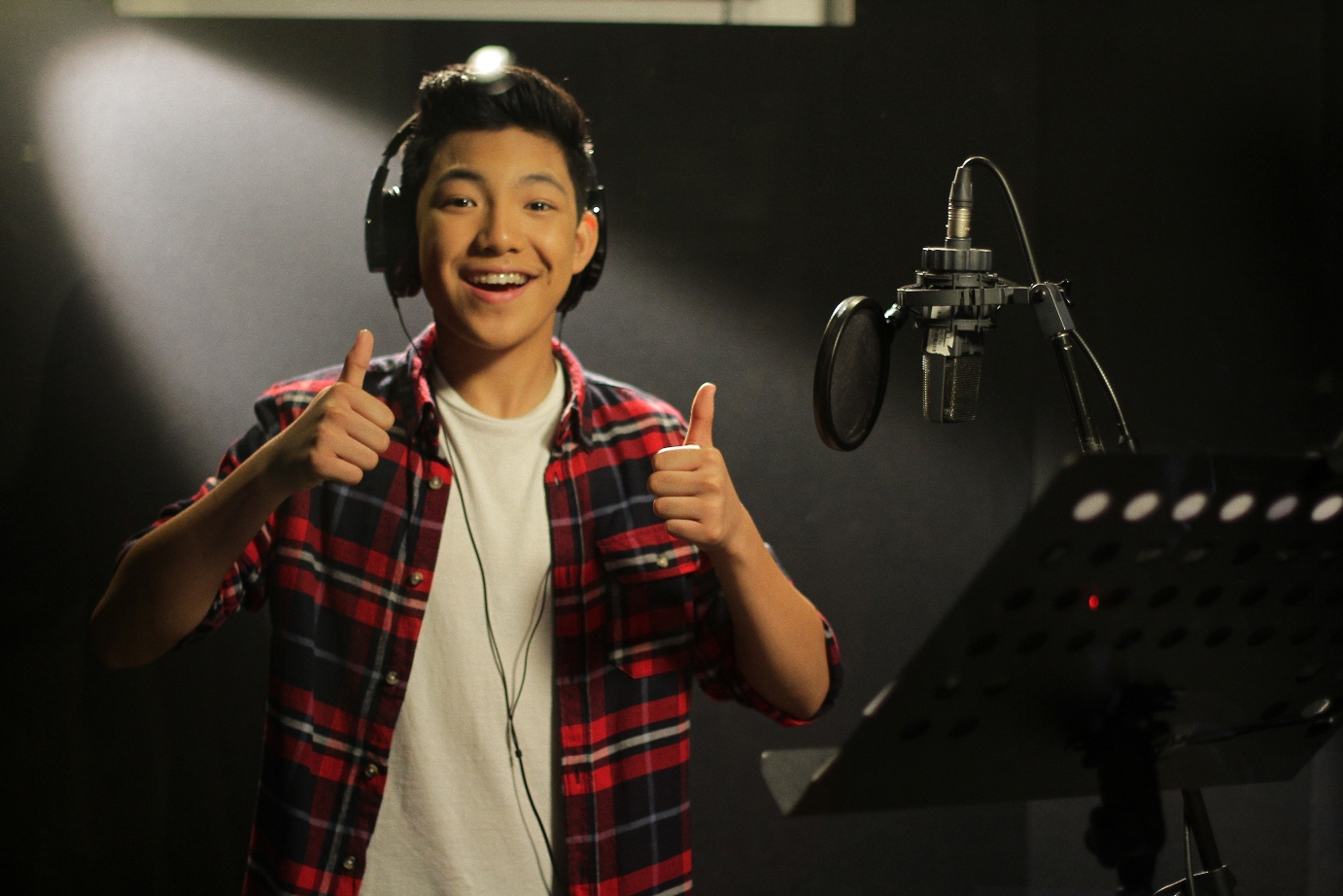 A New Jollibee Anthem for Independence Day COUNTDOWN ... Darren Espanto Life With Boys