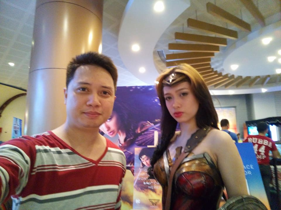 di nakaka enjoy ka-date si Wonder Woman