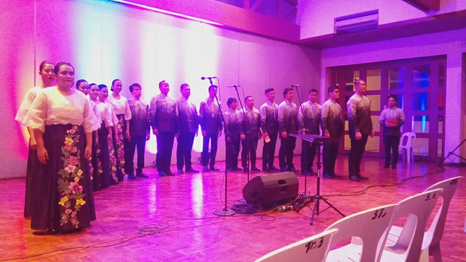 The full line up of the Manila Chamber Singers - Haraya